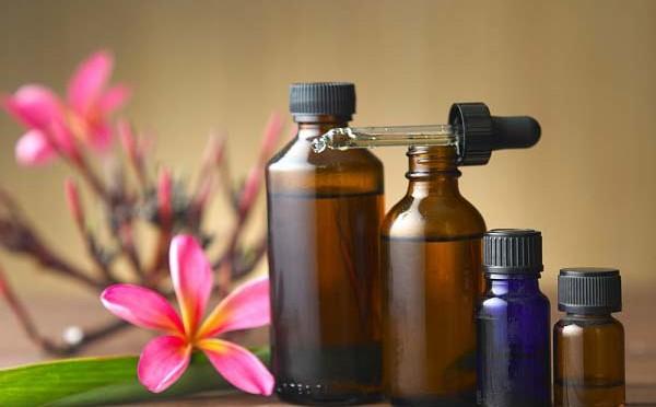 Scoprire le proprietà funzionali ed utilizzare gli oli essenziali,degli amici naturali della nostra salute e bellezza
